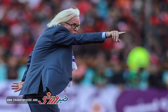 سوت های پیرمرد آلمانی در استادیوم شیخ زاید