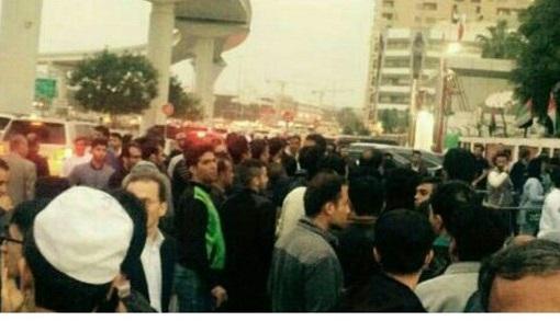 عکس| محاصره ورزشگاه راشد توسط ایرانی ها