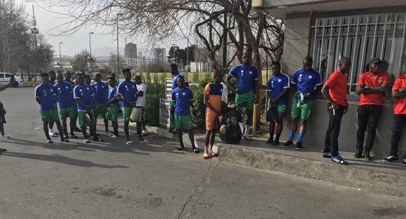 عکس| دمپایی های بازیکنان سیرالئون!
