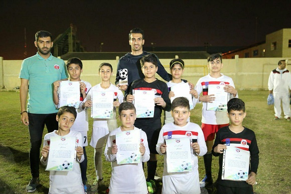 عکس| حسین ماهینی در مدرسه فوتبال
