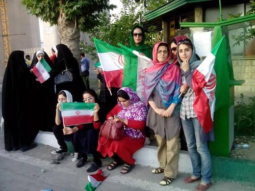 عشق و علاقه بانوان ایران به فوتبال