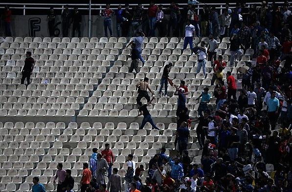 درگیری خونین هواداران استقلال و پرسپولیس در اهواز