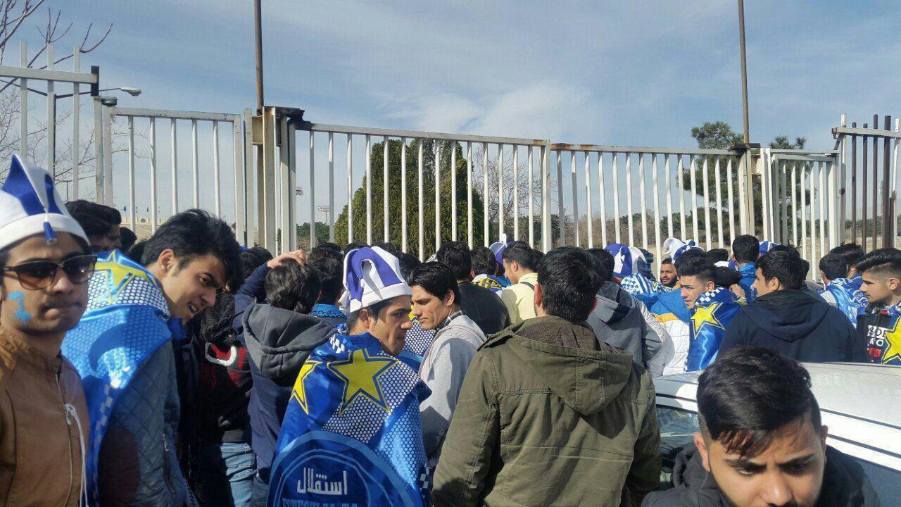 عکس| حضور هزاران تماشاگر در ورزشگاه آزادی
