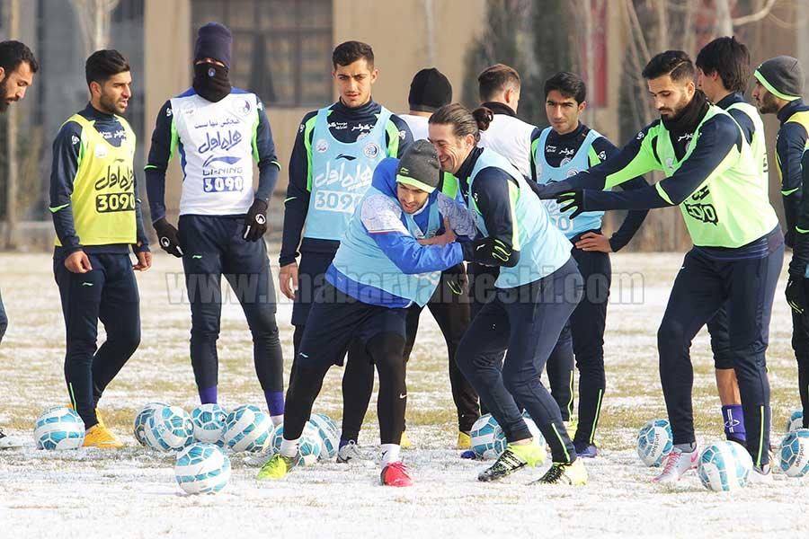 گزارش تصویری  برف بازی استقلالی ها در تمرین امروز