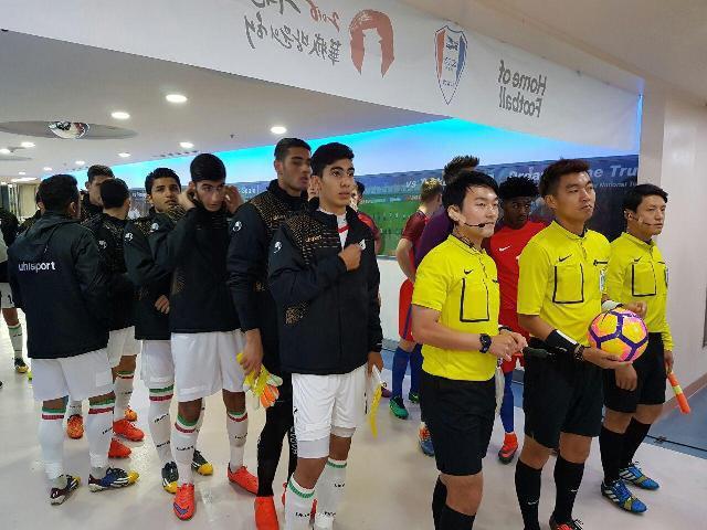 شکست شیر بچه ها مقابل تیم ملی انگلیس