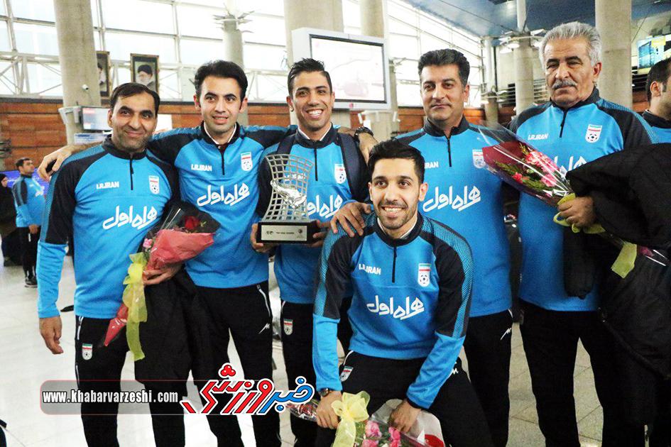 گزارش تصویری| استقبال از تیم ملی فوتسال پس از قهرمانی در آسیا