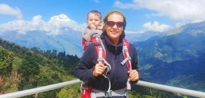 مادر ایرانی با فرزند ۱۶ ماههاش از هیمالیا بالا رفت!