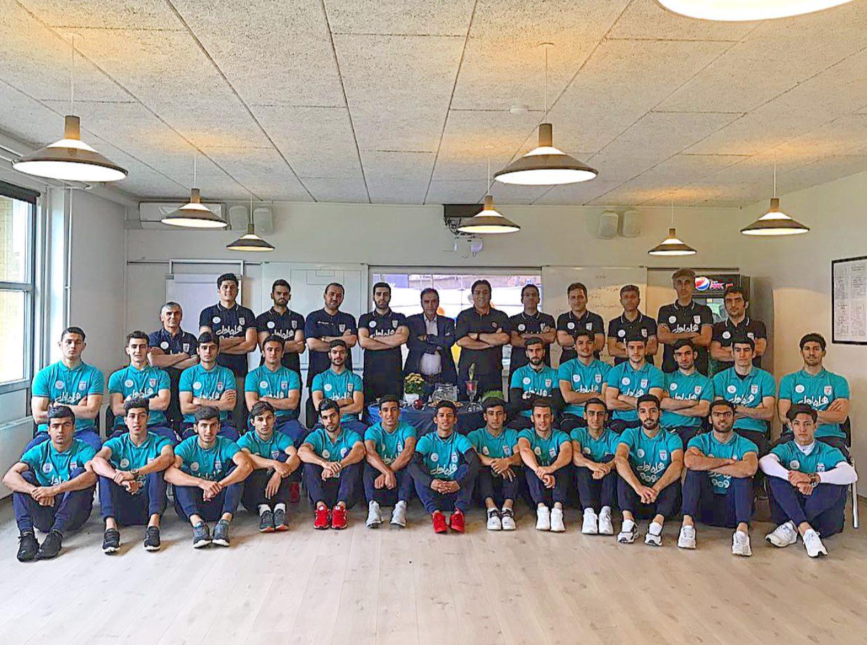 عکس| تیم ملی در کنار سفره هفت سین