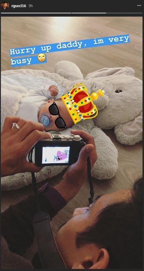 عکس  سرگرمی های گوچی و پسرش