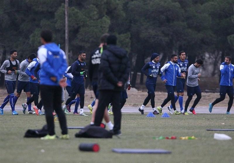 یاغی ها در تمرین استقلال دیده شدند/ منصوریان اول با کدام بازیکن دست داد؟